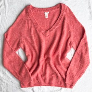 NWOT Oversized Vneck soft knit sweater